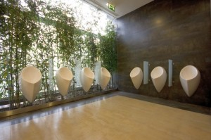Renovação das instalações sanitários no Centro Comercial Colombo